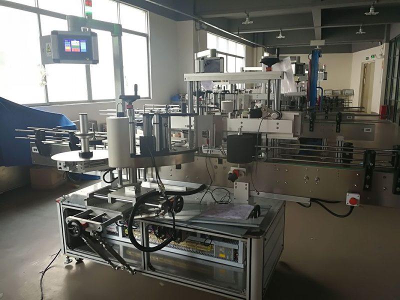 الصين آلة لصق الزجاجات المسطحة ، آلة وضع الملصقات الأوتوماتيكية PLC ومورد شاشة اللمس